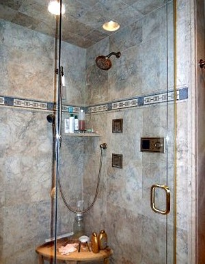 Poolhouseshower
