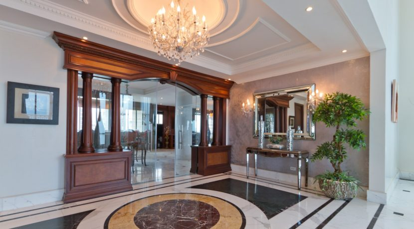 Panama Penthouse entrance 1