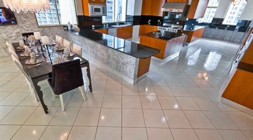 Panama Penthouse kitchen 4
