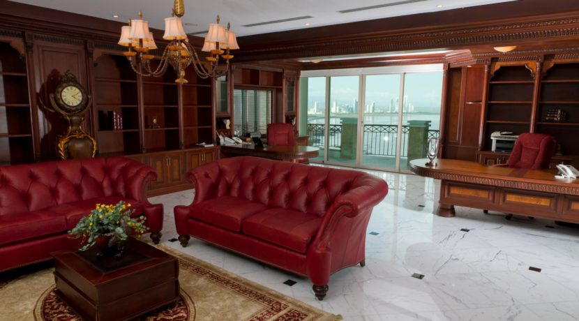 Panama Penthouse office 1