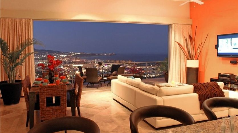 In the heart of Cabo View Penthouse