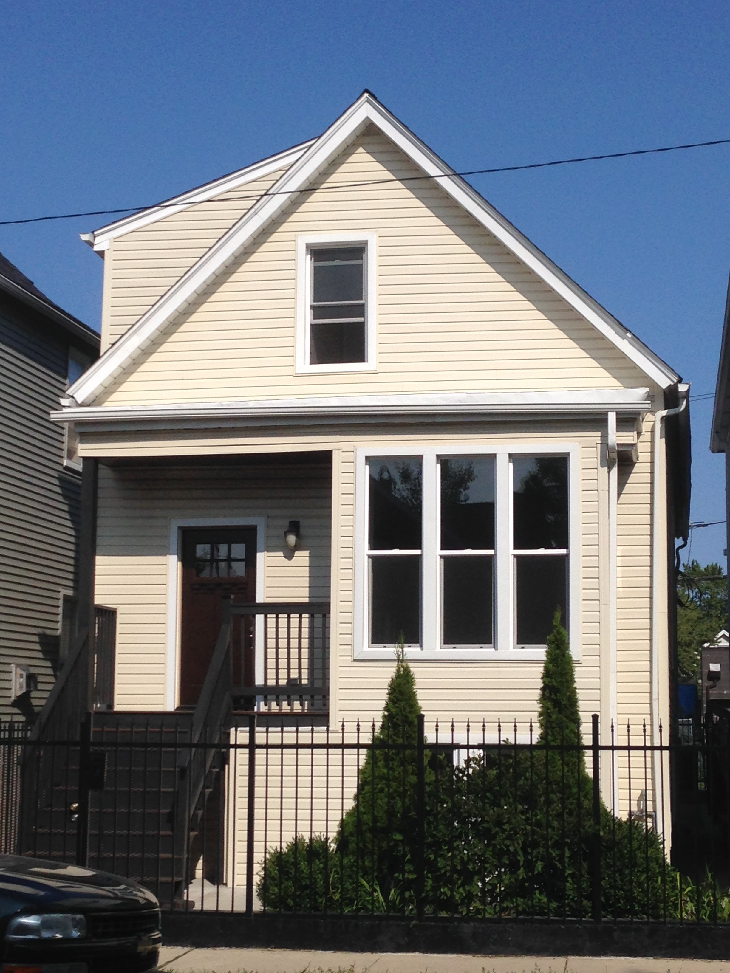 Chicago, USA – Single Family Home in HOT Logan Square