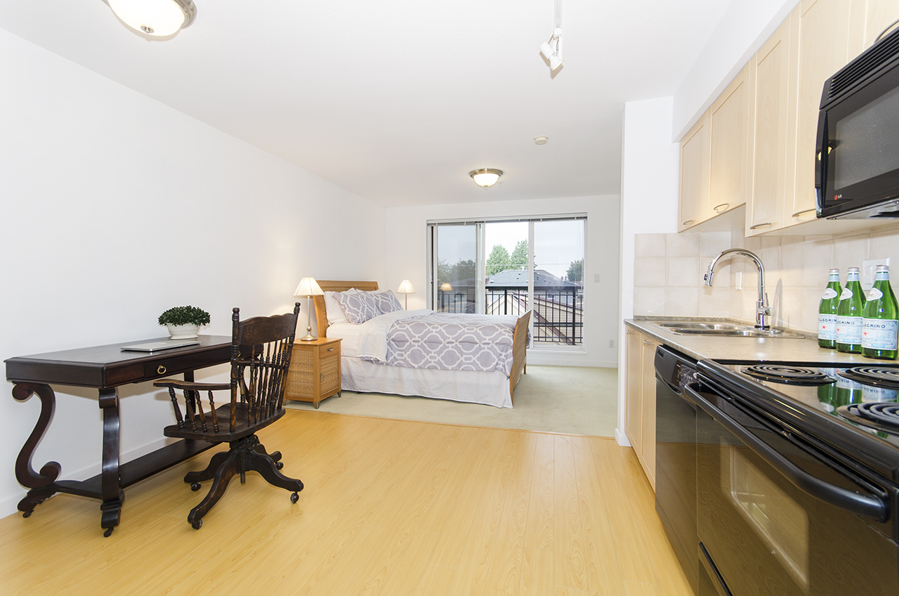 Studio Home close to UBC, YVR Airport, Downtown