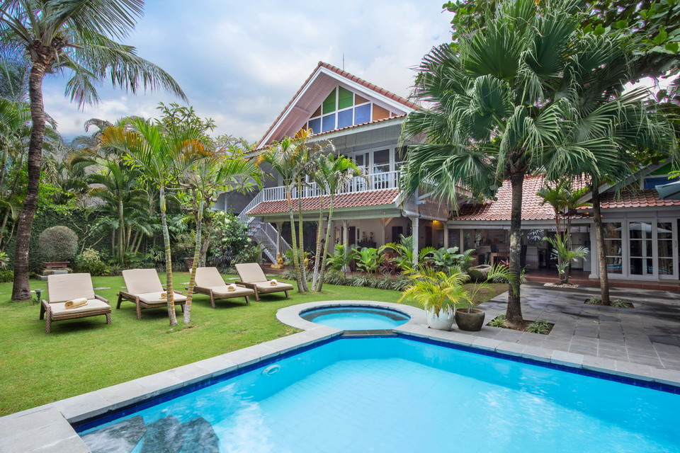 Bali Tropical Villa priced to sell