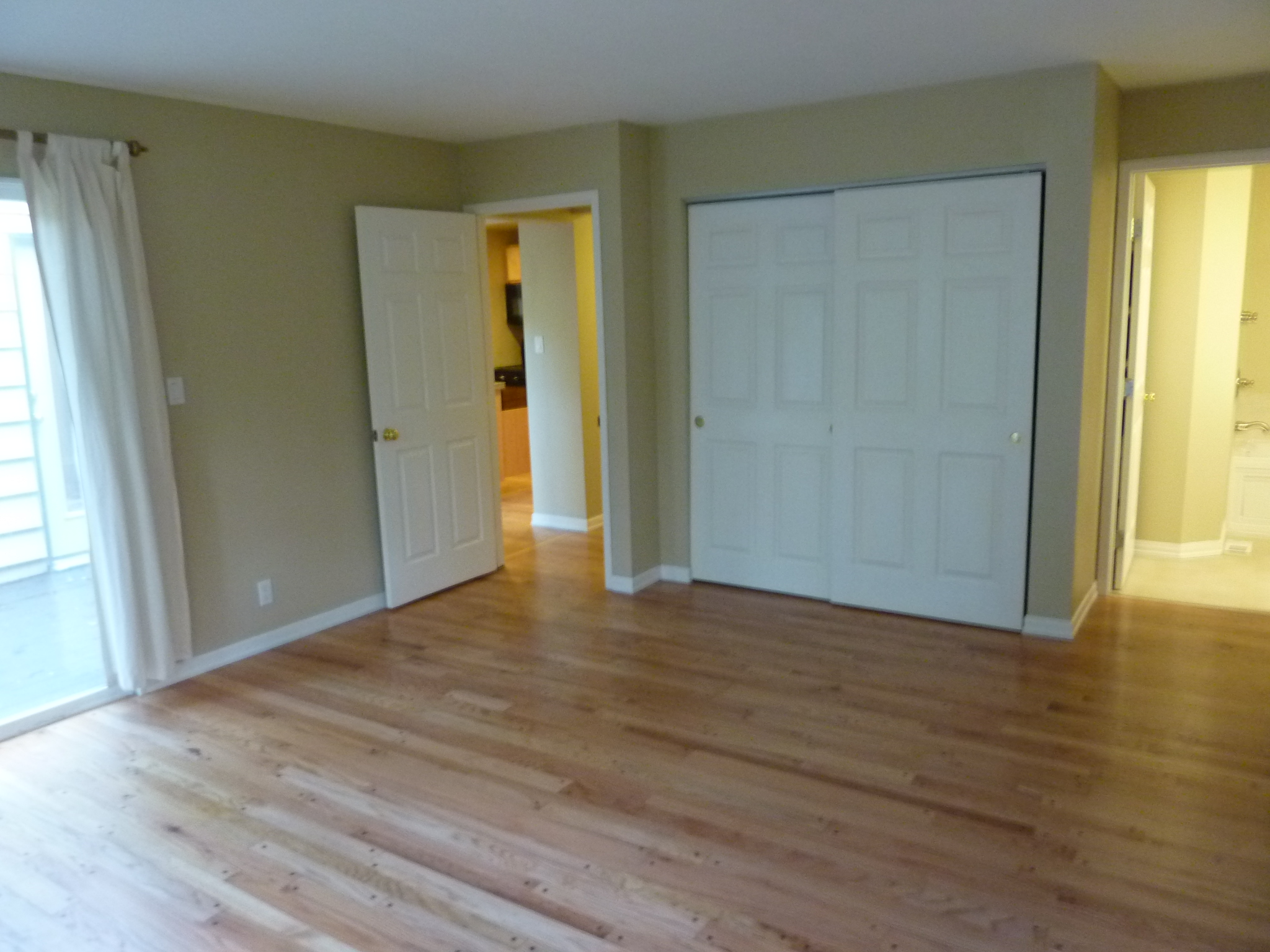 Investment Property with Updated Charming Detached Home w/3 Lake ...