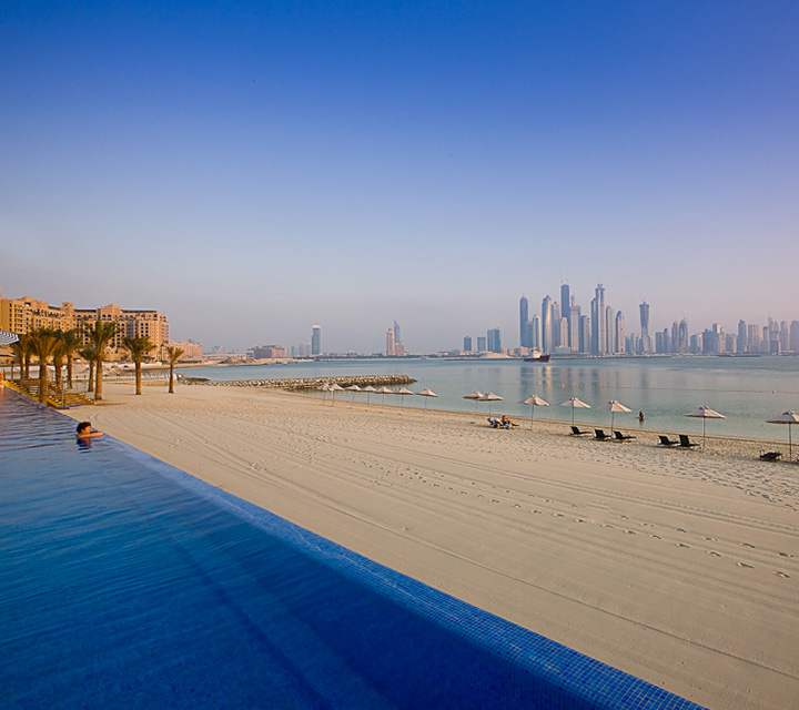 Incredible Beachfront Apartments on the 8th Wonder of The World – Palm Jumeirah