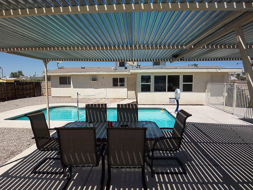 THE CLOSEST HOUSE IN HAVASU! Vacation rental.