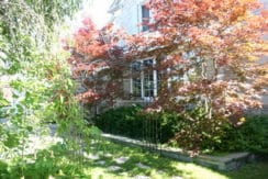 03_Landscaped_Grounds
