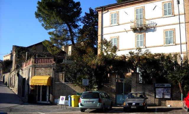 Use Bitcoin to purchase  an Italian Villa on BitCoin-RealEstate