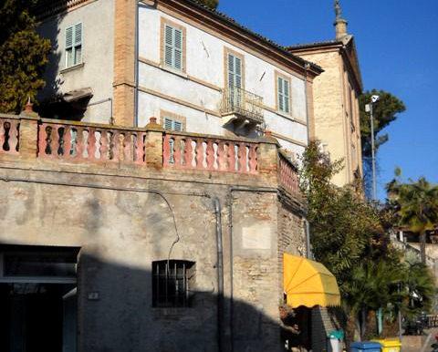 Beautiful Italy Villa on BitCoin-RealEstate