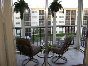 Florida condo minutes to Hallandale beach