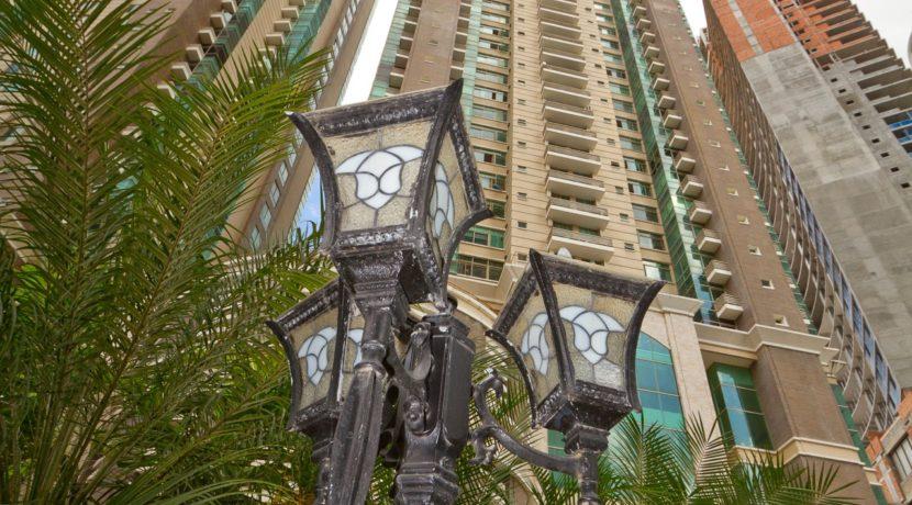 Panama Penthouse building 1