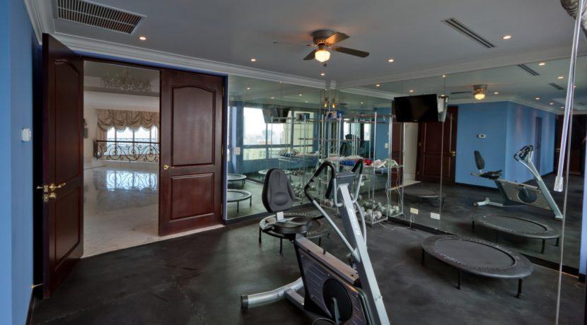 Panama Penthouse gym 2