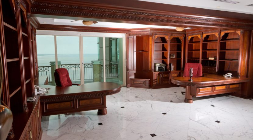 Panama Penthouse office 2