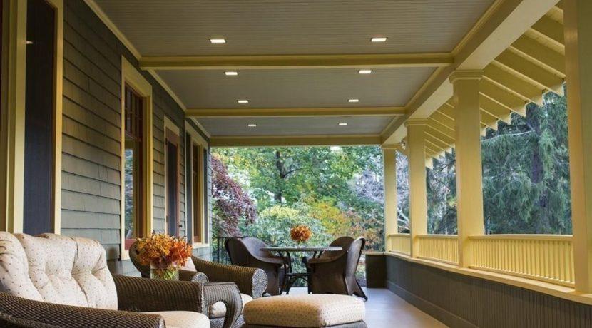 30-back porch
