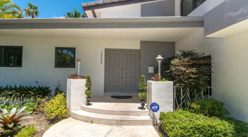 2388 Prairie Ave Miami Beach-large-004-DSC 2489-1500x1000-72dpi