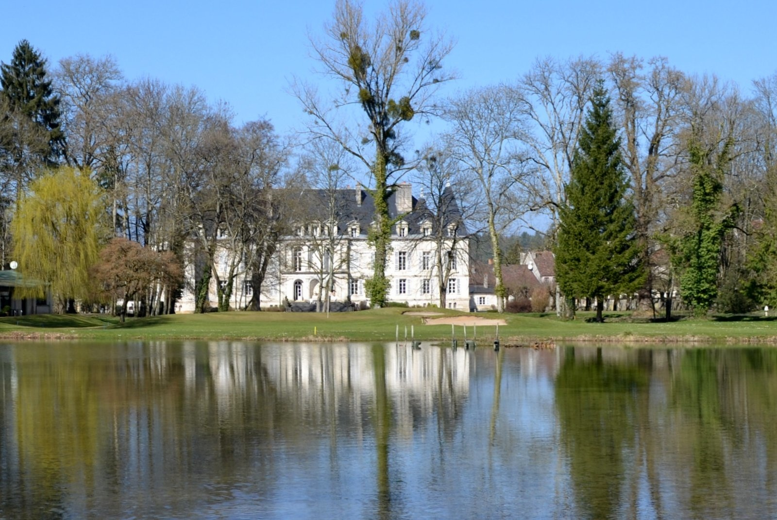 SPECIAL OFFER! – Royal French Chateau – 114/116