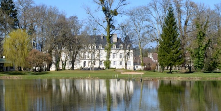Chateau Lake