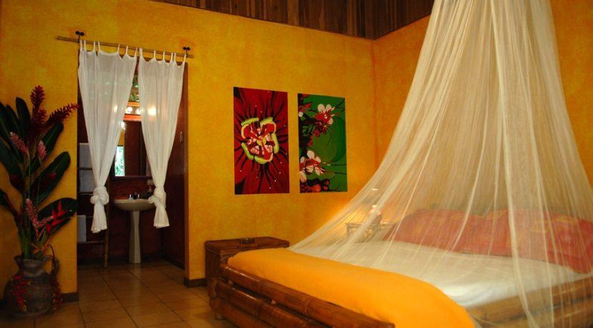 8 Room4