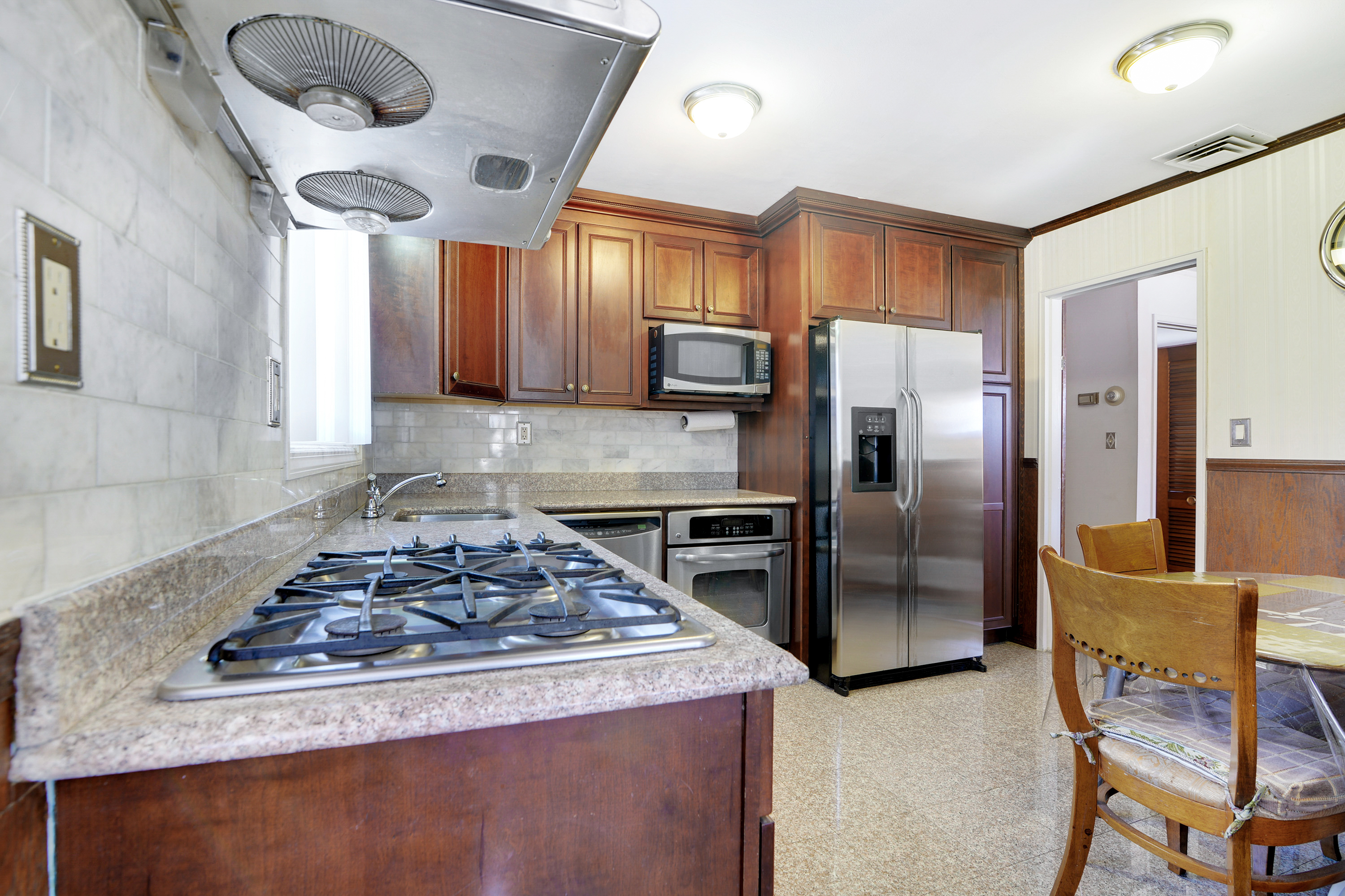Great 3 Bed 3 Bath Home in fantastic Queens NY neighborhood