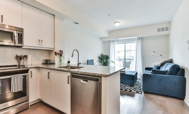 3170 Erin Mills- Kitchen and Living