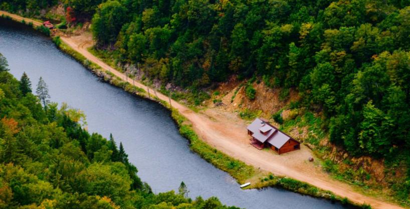 Biggest luxury wild domain near city in north america canada