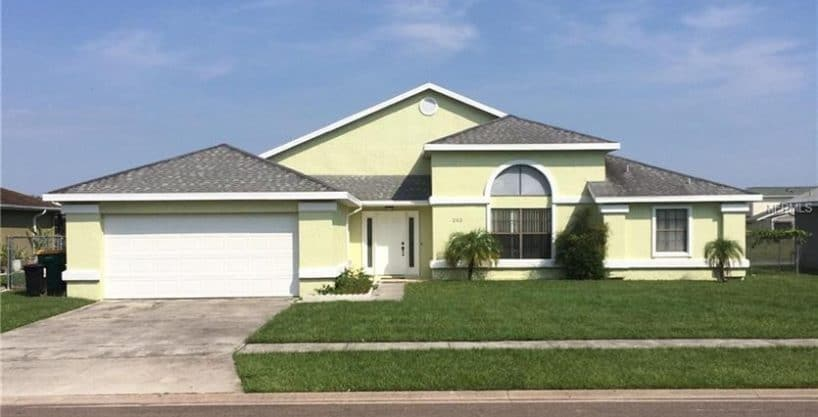 Pool home with water view in Florida, close to all amusement parks – Excellent short term rental income