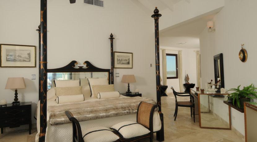 Bedroom1-008