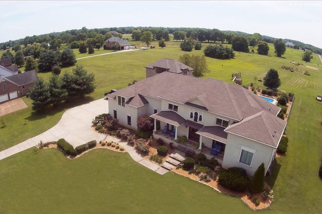 Luxury Home with Acreage Outside Nashville, TN