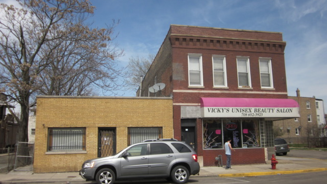 (4 Unit) Investment Property with Small Warehouse (4 unit) minutes from downtown Chicago!!