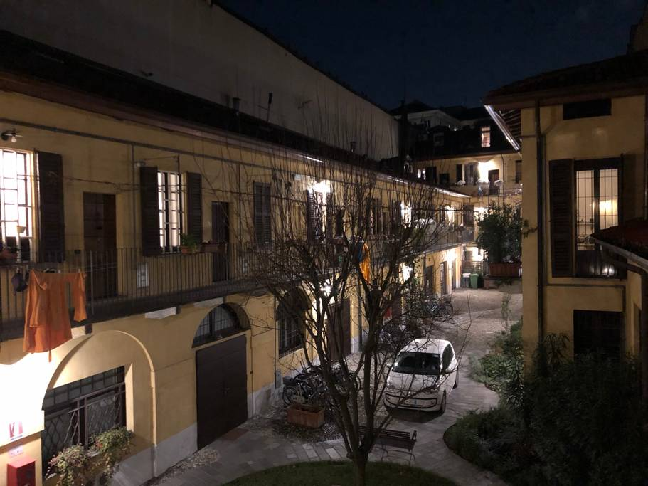 MILANO CANALS NAVIGLI TYPICAL OLD MILANO HOUSE IN 18TH CENTURY RESTORED COURTYARD – ITALY