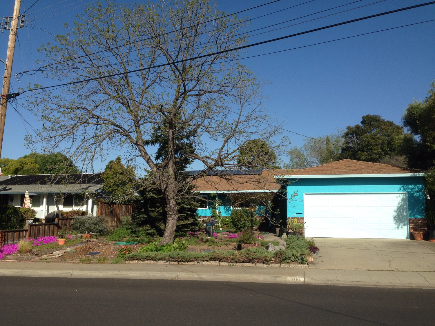 Livermore Valley, 3 bed 2 ba , large backyard, quiet neighborhood centally convenient