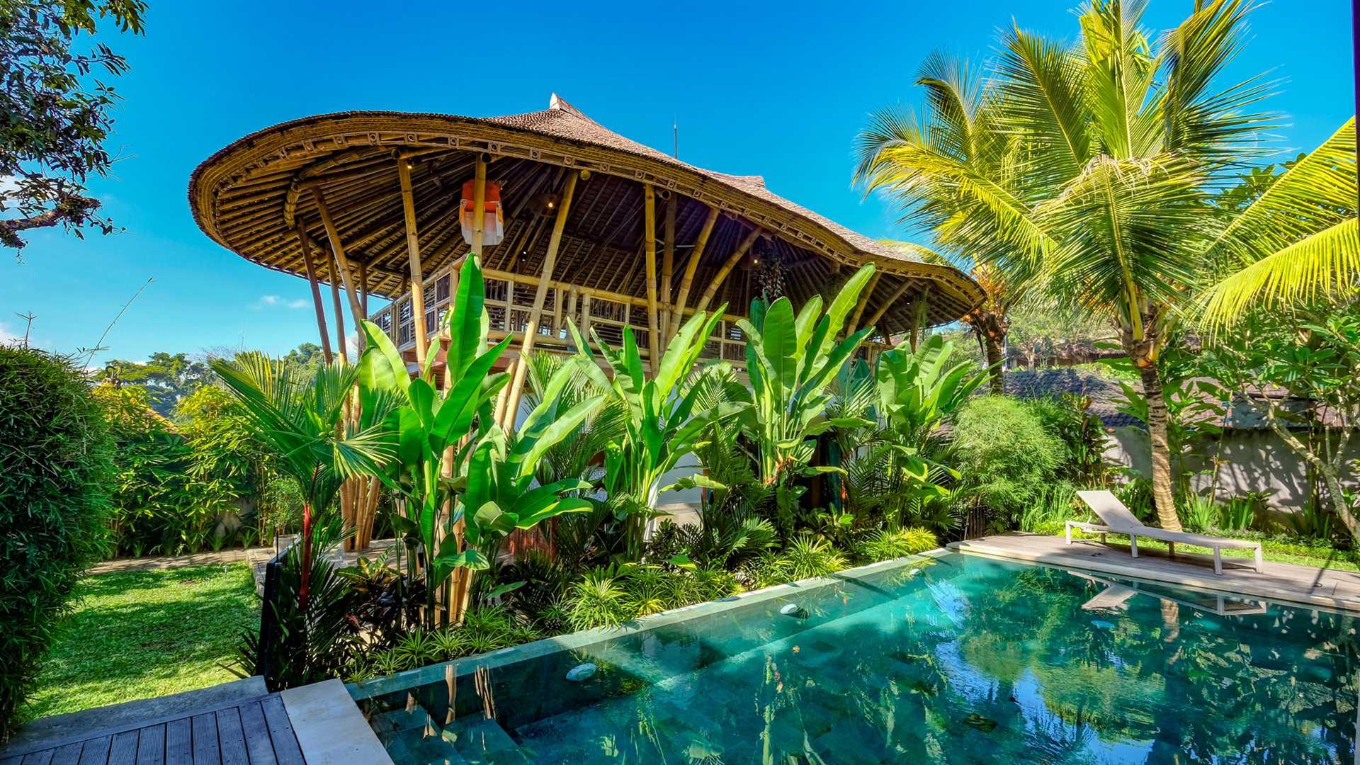 Roots Restaurant & Villas