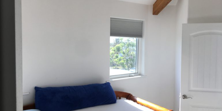 UpstairsBedroom (2)