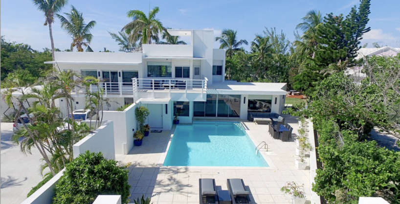 Majestic Contemporary Estate- Nassau Bahamas