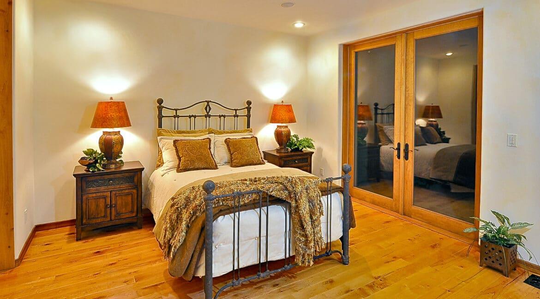 18-GuestBedroom