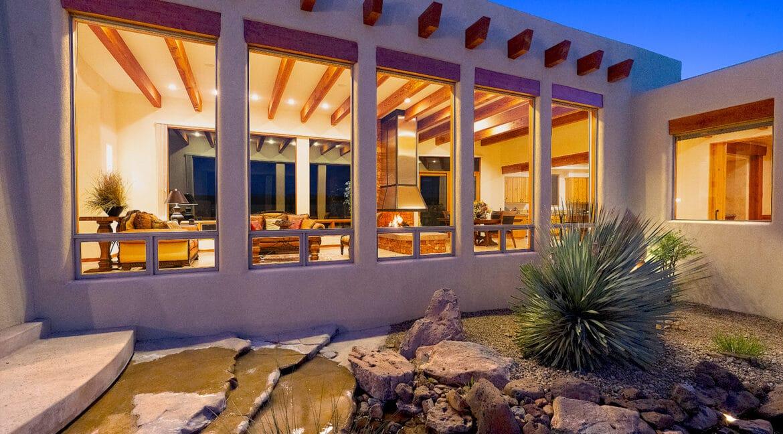 5-Courtyard Night Fireplace 1600 Wide