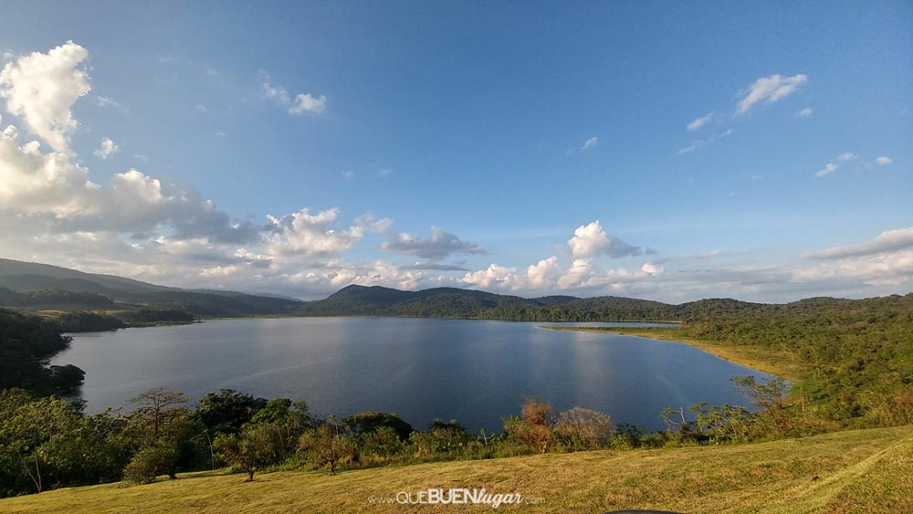 COSTA RICA 2 ACRE LAKE FRONT (INSTALLMENTS ACCEPTED)