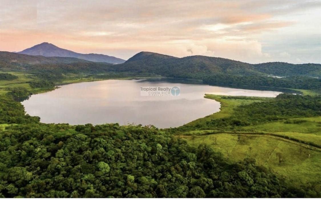 Costa Rica Beautiful Lake Front (Negotiable)